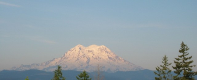 Mount Rainier Background